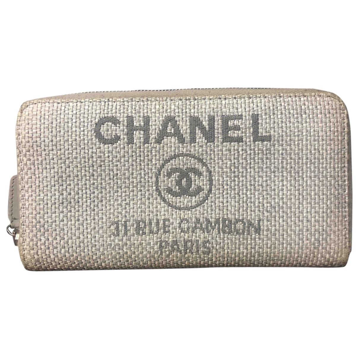 Chanel \N Portemonnaie in  Grau Leinen