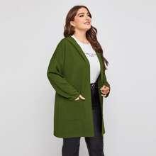 Mantel mit zwei Taschen und Kapuze
