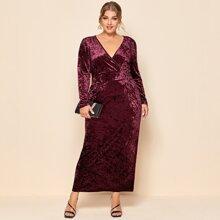 Samt Maxi Kleid mit V-Ausschnitt vorn