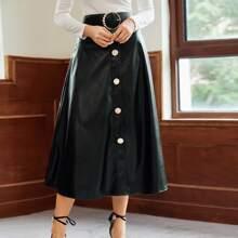 Falda PU con cinturon con hebilla con boton delantero