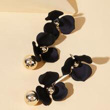 Tropfenohrringe mit doppelten Blumen Dekor und Ball Design 1 Paar