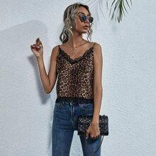 Cami Top mit Spitzenbesatz und Leopard Muster