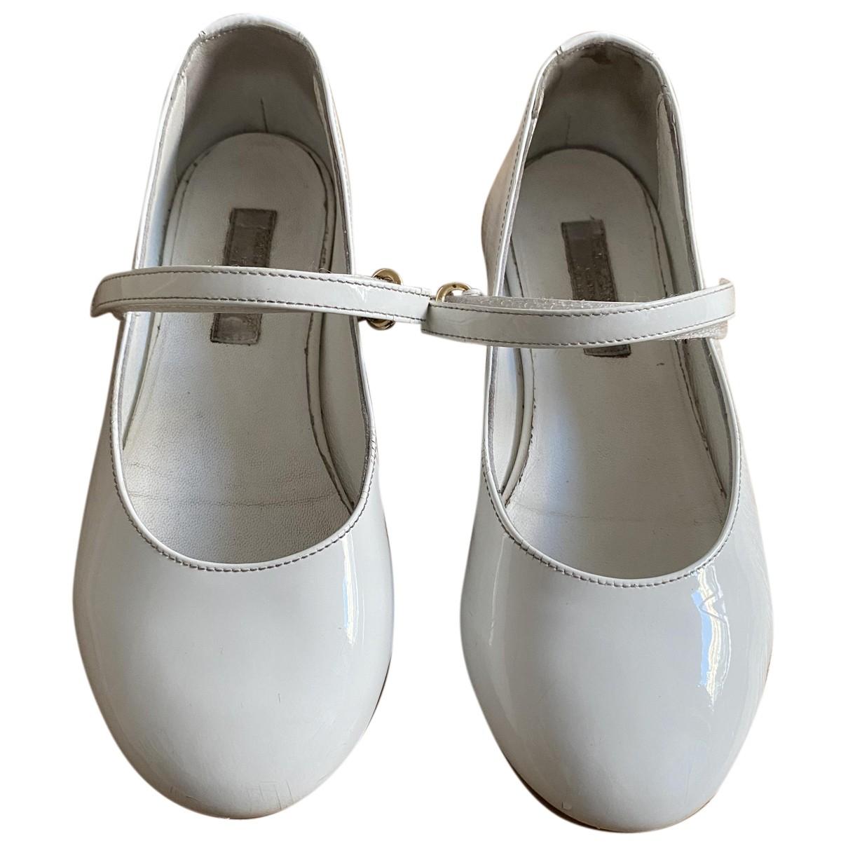 Dolce & Gabbana \N Ballerinas in  Weiss Lackleder