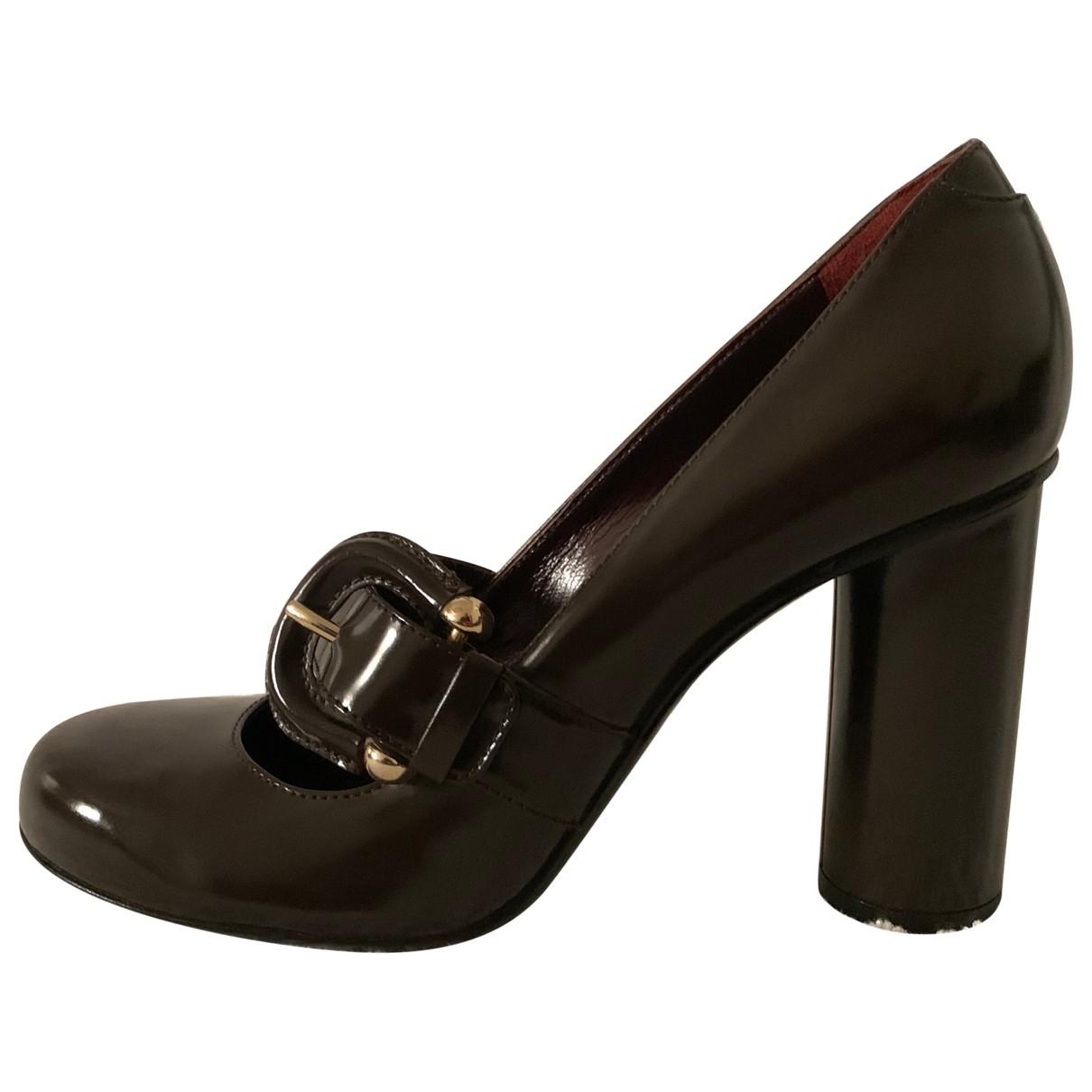Zapatos de tacon de cuero Burberry
