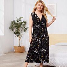 Nachtkleid mit Blumen Muster und Knopfen vorn