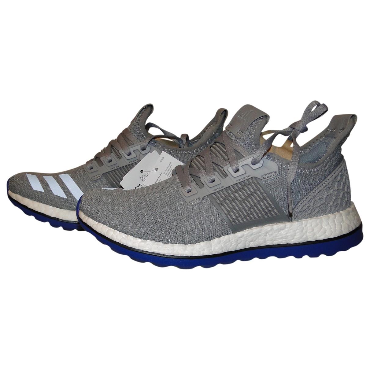Adidas PureBOOST Sneakers in  Grau Leinen