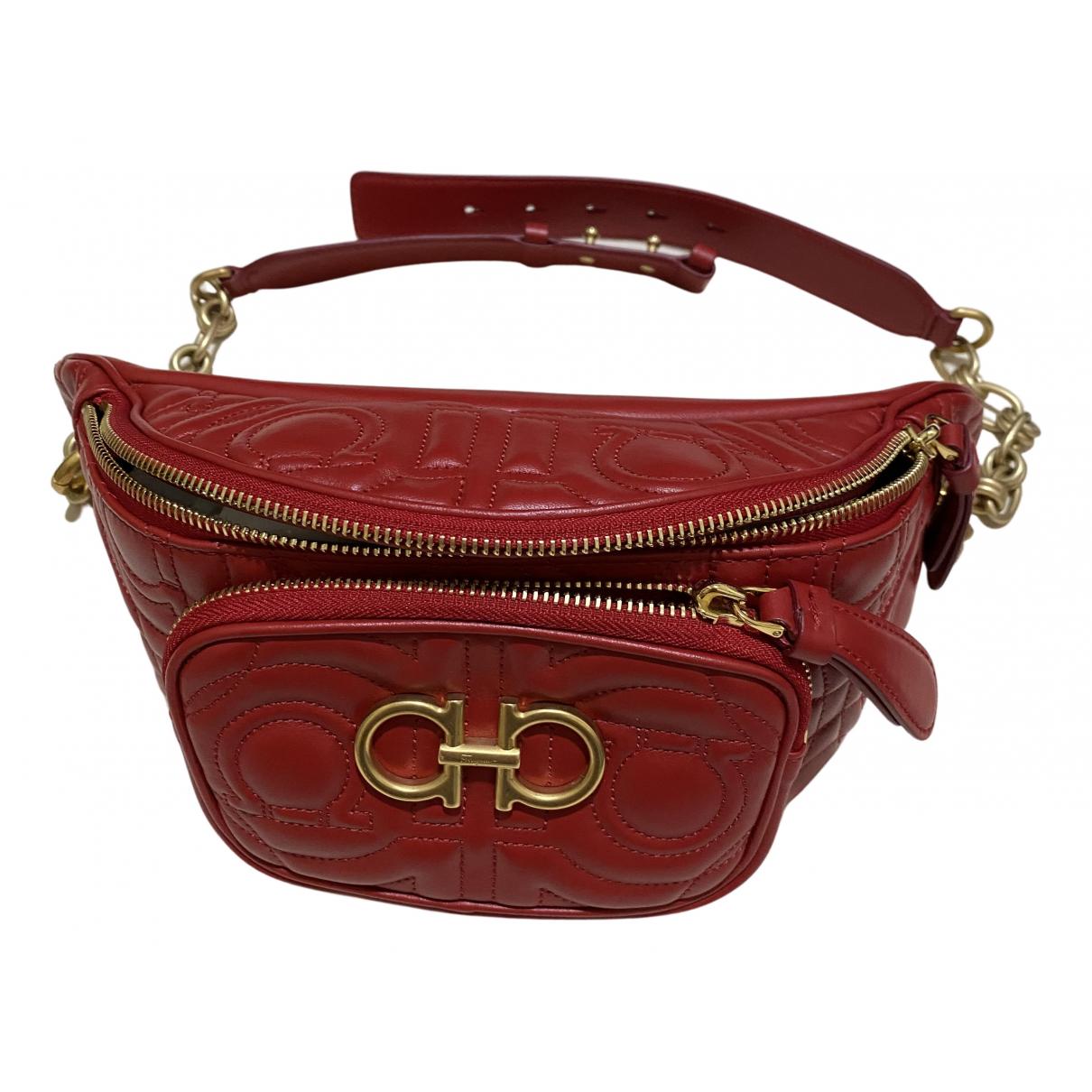 Salvatore Ferragamo \N Red Leather handbag for Women \N