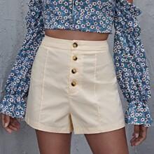 Einfarbige Shorts mit Knopfen