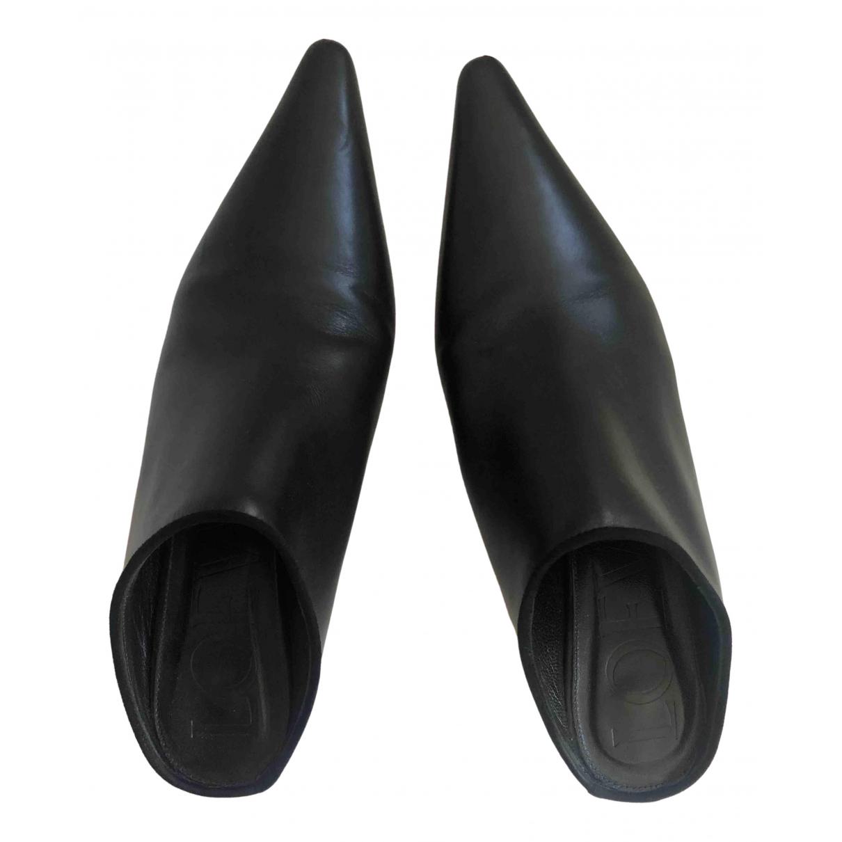 Loewe - Sabots   pour femme en cuir - noir
