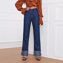Jeans mit hoher Taille, gerolltem Saum und ausgestelltem Beinschnitt