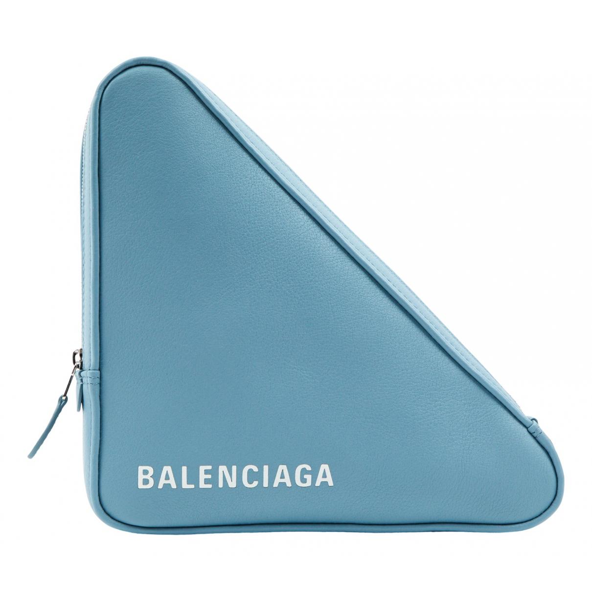 Balenciaga Triangle Clutch in  Blau Leder