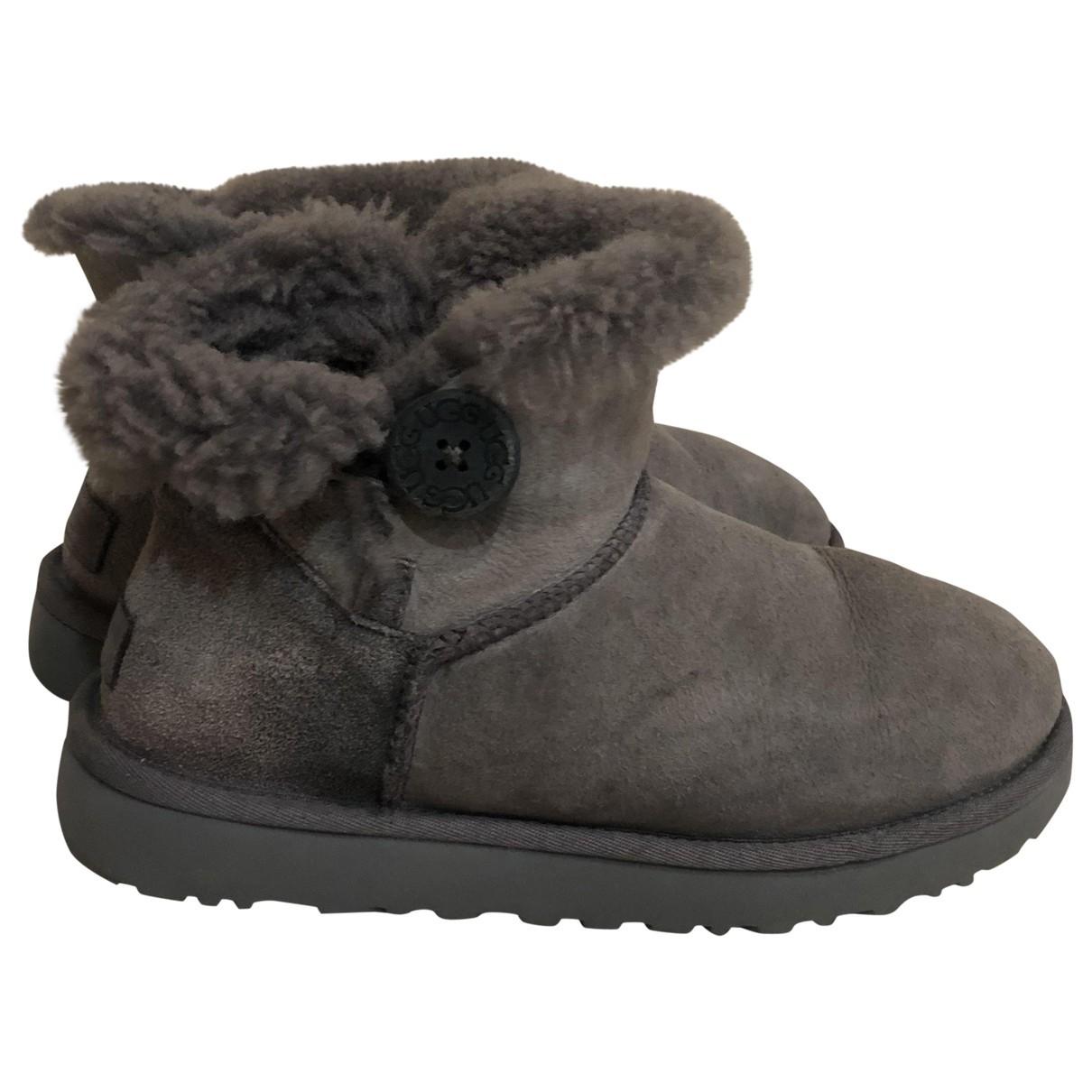Ugg \N Grey Suede Boots for Women 39 EU