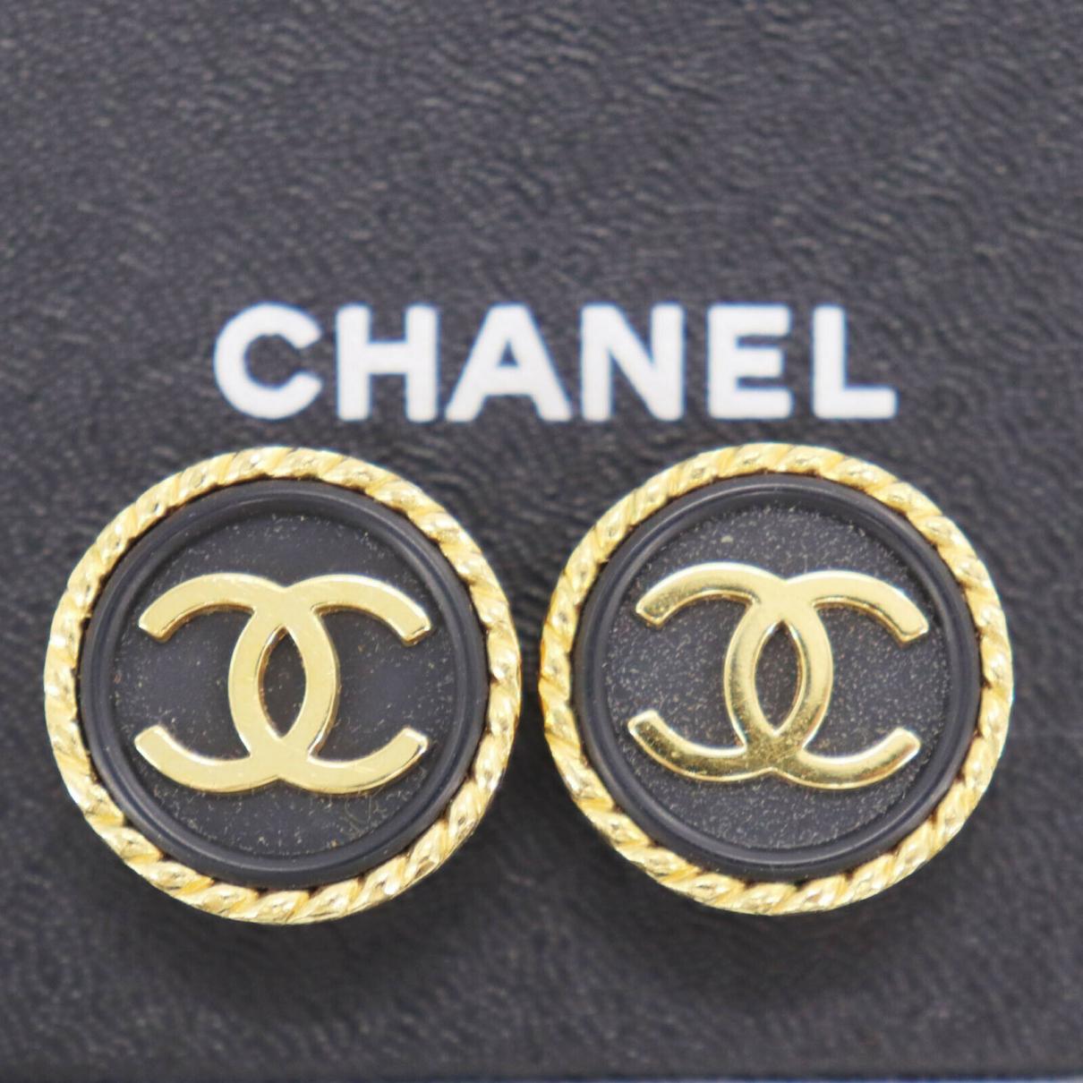 Chanel - Boucles doreilles   pour femme en plaque or
