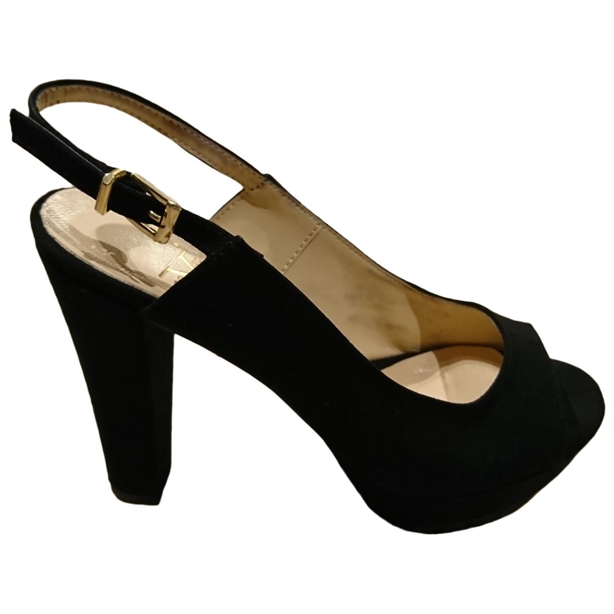 Versace - Escarpins   pour femme en cuir - noir