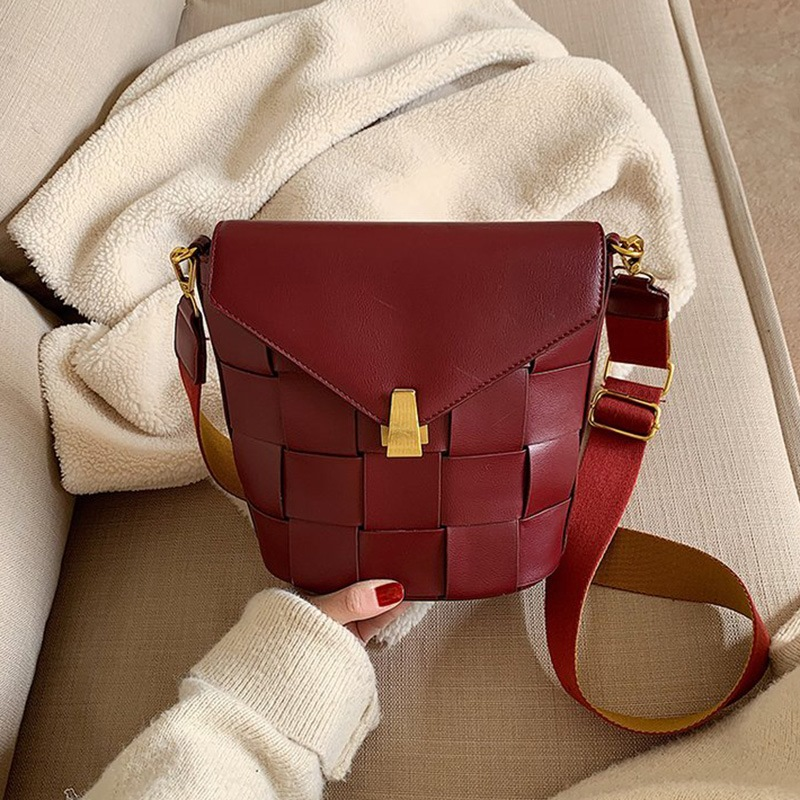 Ericdress PU Knitted Plain Rectangle Crossbody Bags