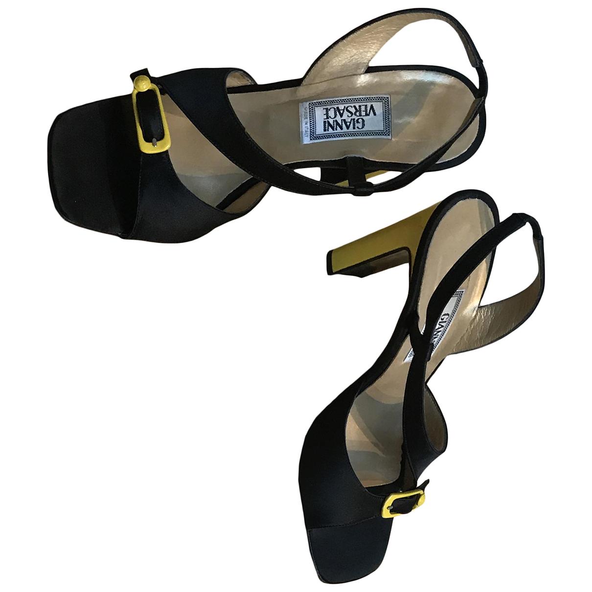 Gianni Versace N Multicolour Cloth Heels for Women 37 EU