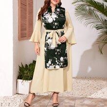 Kleid mit Praegung Einsatz, Schosschenaermeln und Selbstband