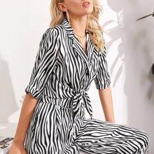 Bluse mit Zebra Streifen und Knoten