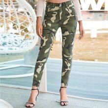 Skinny Jeans mit Camo Muster und ungesaeumtem Saum