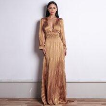 Satin Maxi Kleid mit Punkten Muster und tiefem Kragen
