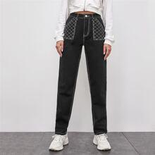 Jeans mit hoher Taille und schraegen Taschen