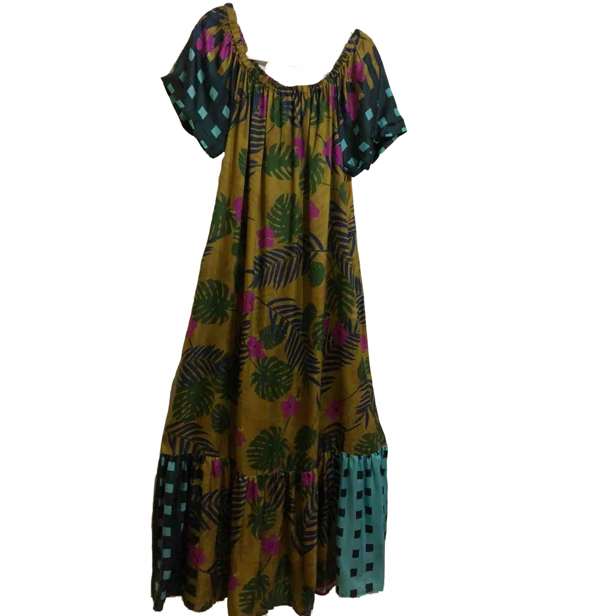 Non Signe / Unsigned \N Kleid in  Gruen Viskose