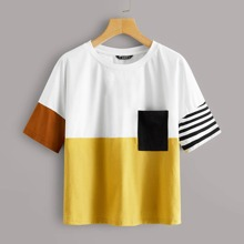 T-Shirt mit sehr tief angesetzter Schulterpartie, Taschen Flicken und Farbblock