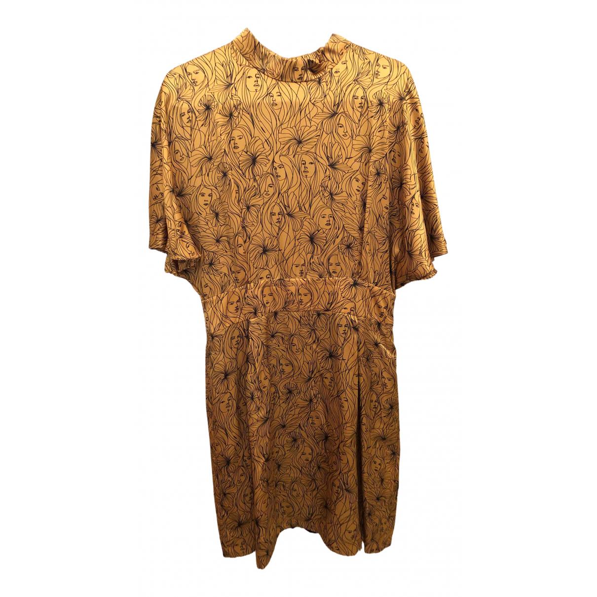 Claudie Pierlot \N Kleid in  Gold Seide