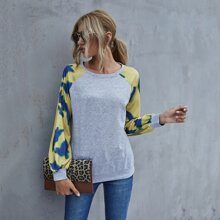 Sweatshirt mit Batik und Raglanaermeln