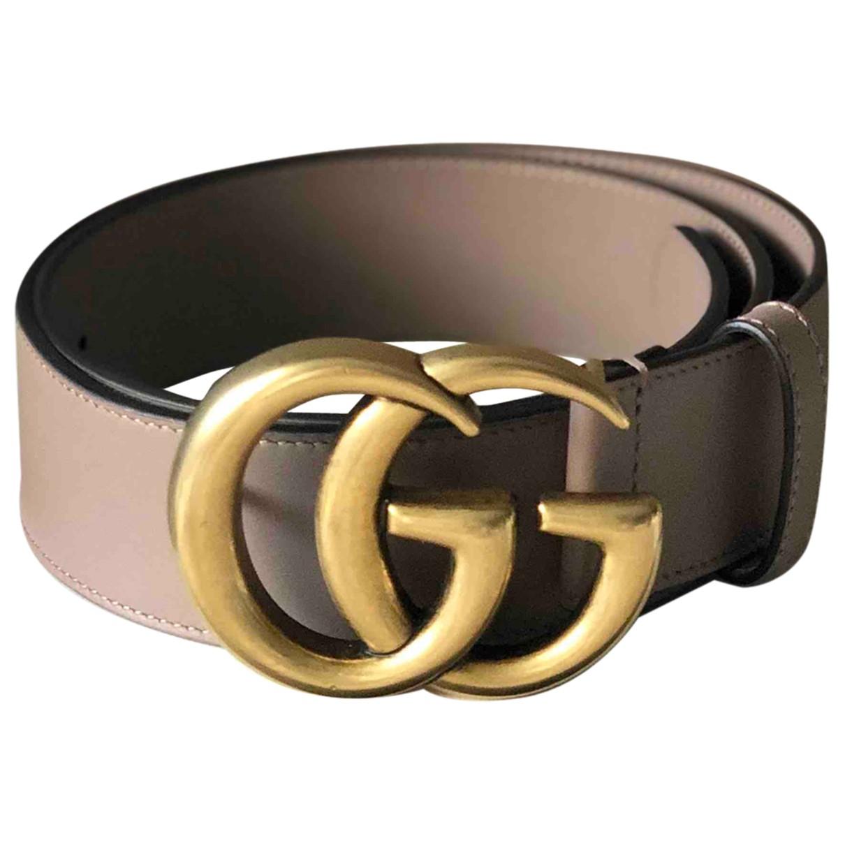 Gucci GG Buckle Guertel in  Beige Leder