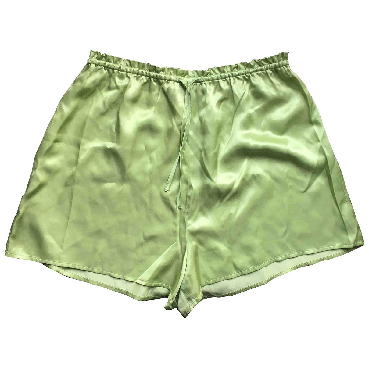 Alexa Chung \N Shorts in  Gruen Seide