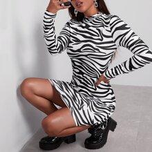 Figurbetontes Kleid mit Zebra Streifen