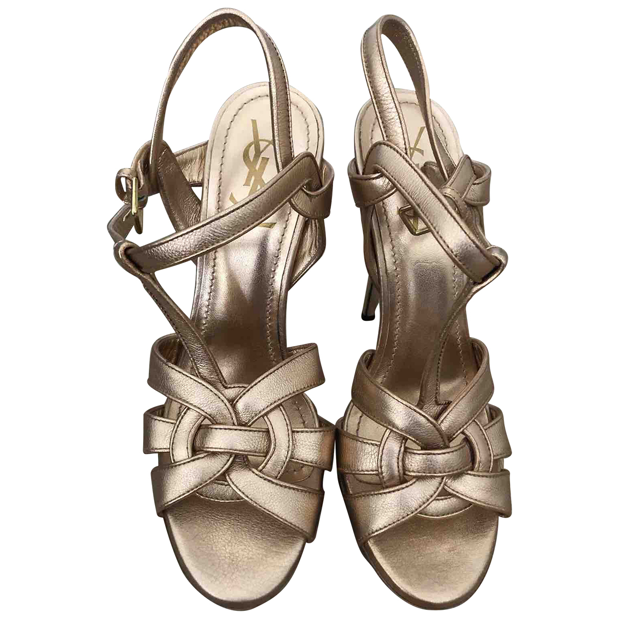 Yves Saint Laurent Tribute Sandalen in  Metallic Lackleder