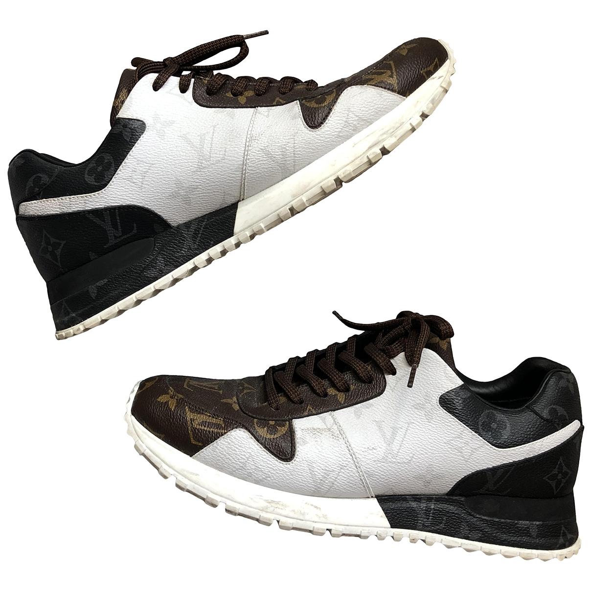 Louis Vuitton Run Away Sneakers in  Bunt Leinen