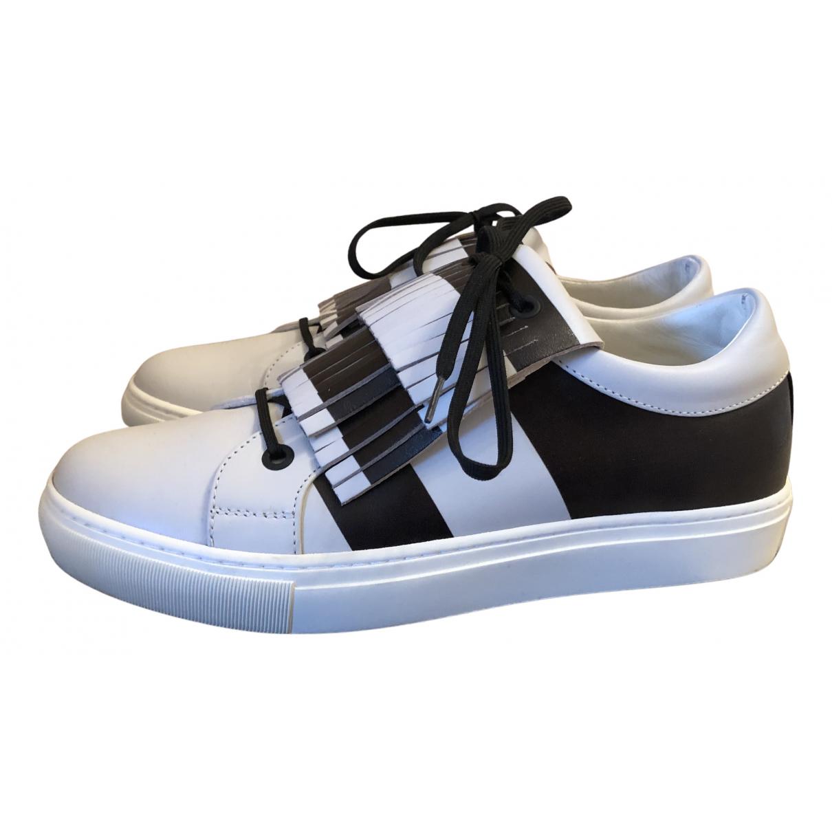 Karl Lagerfeld \N Sneakers in  Weiss Leder