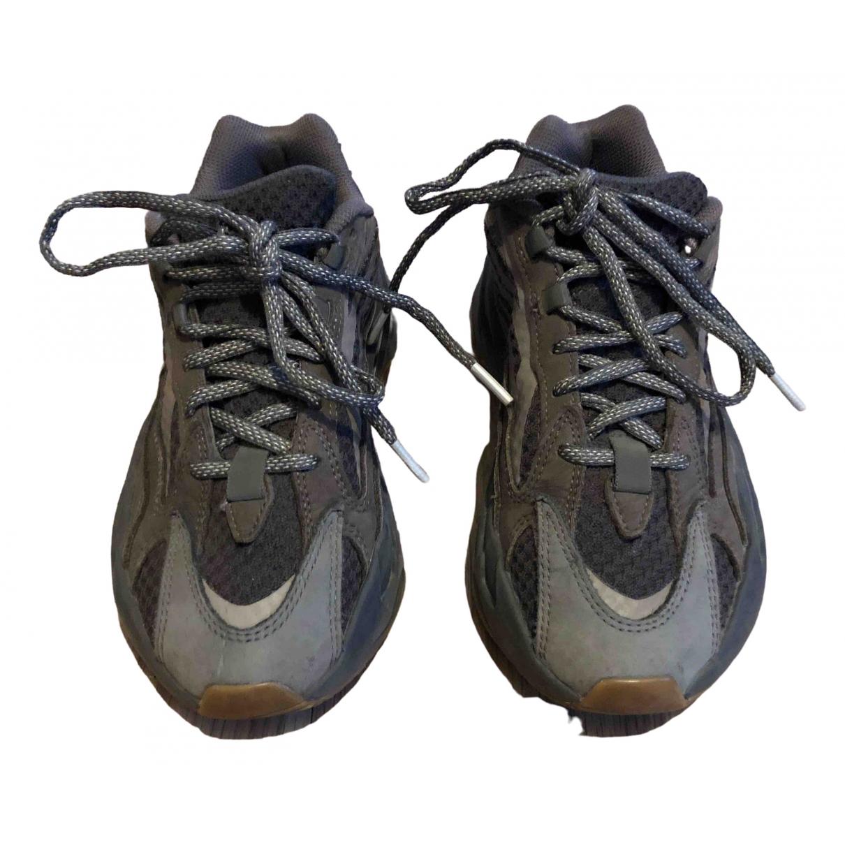 Yeezy X Adidas - Baskets Boost 700 V2 pour femme en cuir - gris