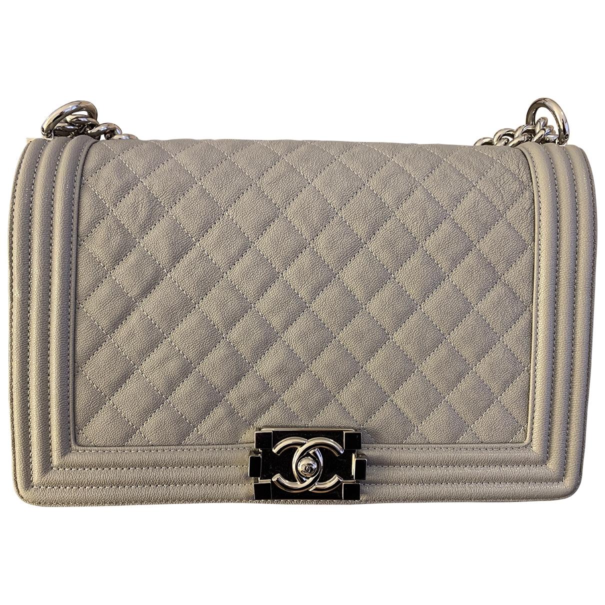Chanel Boy Handtasche in  Grau Leder