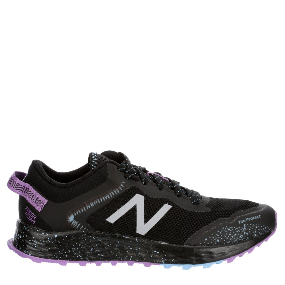 New Balance Womens Arishi Trail Running Shoes Sneakers