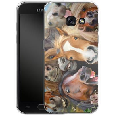 Samsung Galaxy A3 (2017) Silikon Handyhuelle - Horse Selfie von Howard Robinson