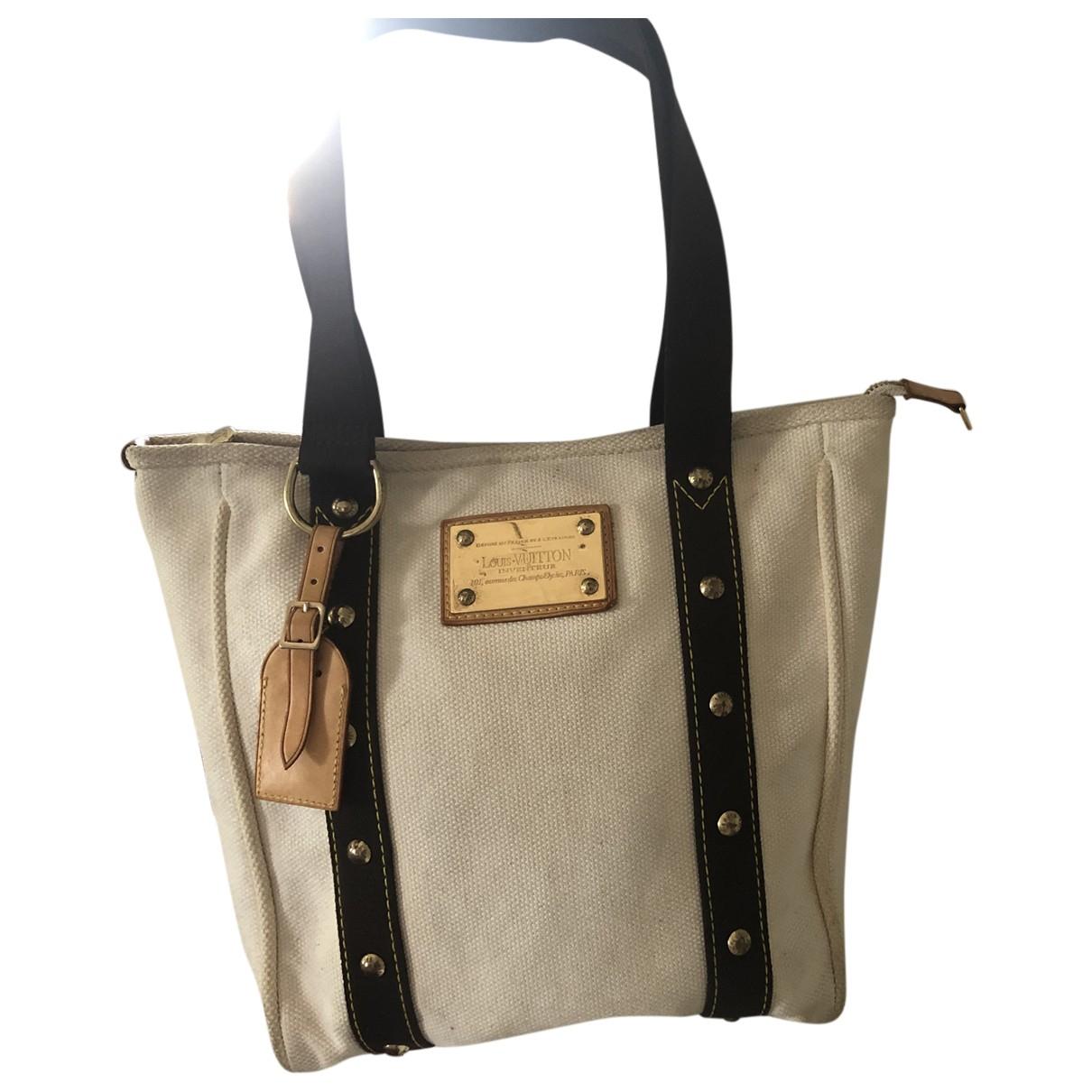 Louis Vuitton Hampstead White Cloth handbag for Women \N
