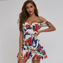 Schulterfreies Kleid mit Blumen Muster und Twist vorn