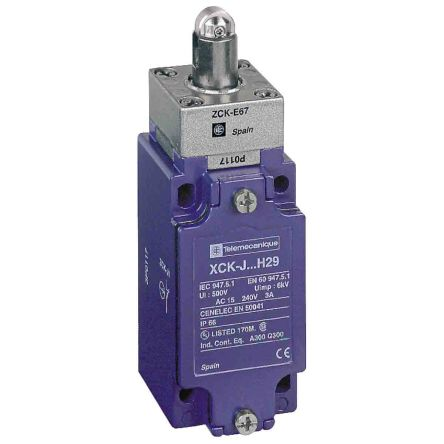 Telemecanique Sensors , Limit Switch - Zamak, 1NC/1NO, Roller Plunger, 240V, IP66