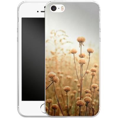 Apple iPhone 5s Silikon Handyhuelle - Daybreak In The Meadow von Joy StClaire