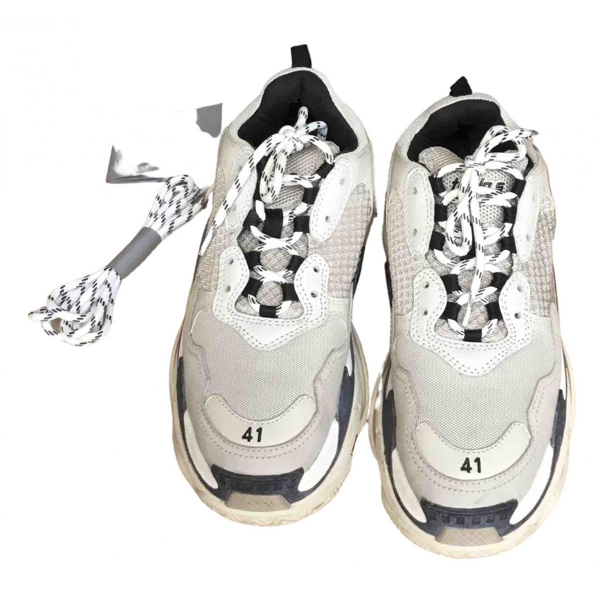 Balenciaga - Baskets Triple S pour femme en toile - gris