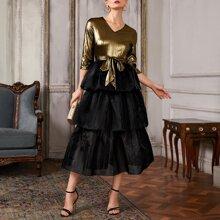 Combo Kleid mit mehrschichtigem Organza Saum und Guertel