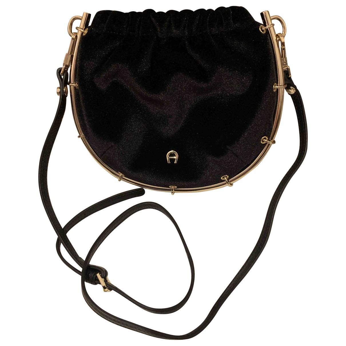 Aigner \N Black Velvet handbag for Women \N