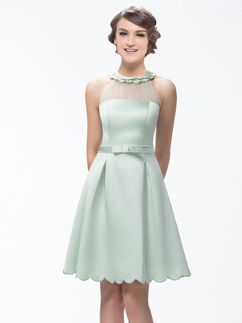 Stunning A-Line Short/Mini Zipper-Up Scoop Neck Bridesmaid Dress