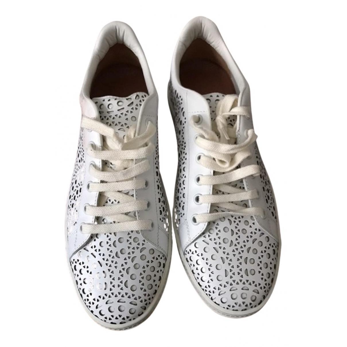 Alaia \N Sneakers in  Weiss Leder