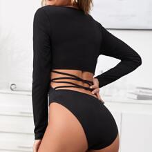 Einfarbiger Body mit asymmetrischem Kragen, Ausschnitt und Band hinten