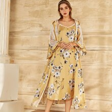 Slip Kleid mit Blumen Muster und Kontrast Spitze & Hausmantel